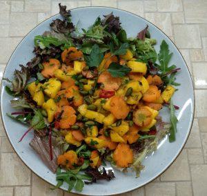 lauwarmer Möhren-Mango-Salat