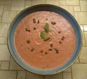 Rote-Bete-Suppe mit Puy-Linsen