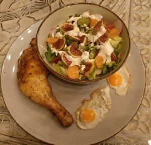 Spanisches Paprikahähnchen mit Salat