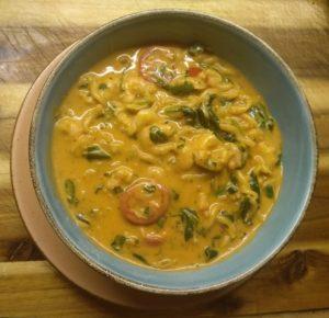 One-Pot-Pasta mit Spinat und Garnelen