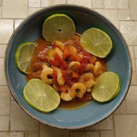 Garnelen in zitroniger Tomatensauce