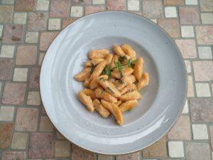 Süßkartoffelgnocchi mit Salbeibutter