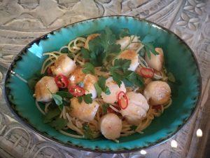 Spaghetti Aglio e Olio mit Jacobsmuscheln