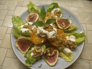 Salat mit marokkanischen Früchten